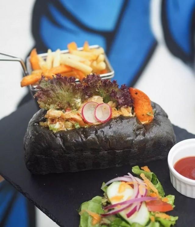 烤焗龍蝦 / 墨魚汁龍蝦包 (King's Lobster 龍蝦皇)