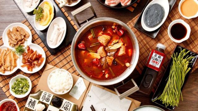飲食轉讓出售: HKD 30萬   氹仔美食廣場餐飲店 ID:28705