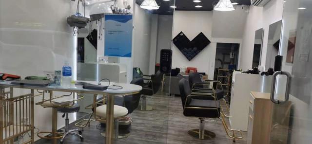 髮廊轉讓出售: HKD 18萬   荷蘭園髮廊 ID:28700