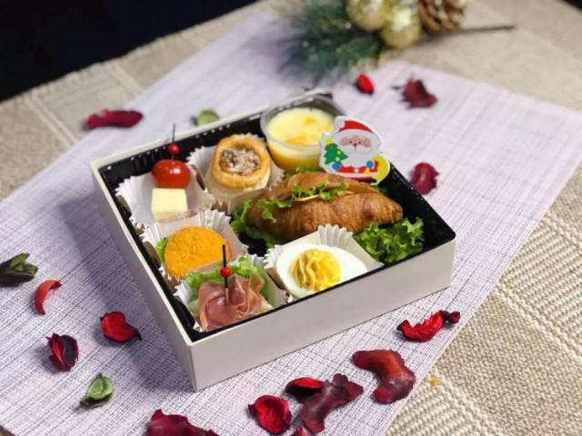 飲食轉讓出售: HKD 5萬 | 青州小食外賣店 ID:28706